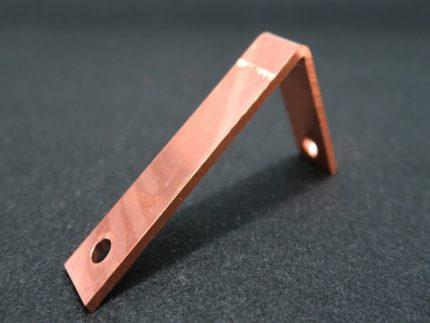 試験電極部品の画像です。無酸素銅を加工して製作しました。